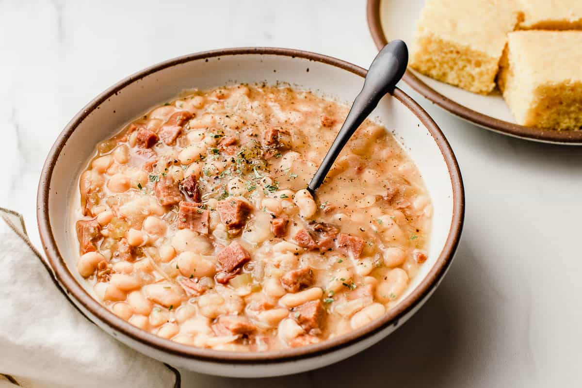 Slow cooker white beans and ham sideview